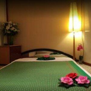 Tha Lae Thai Massage image 3