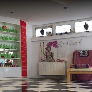 Tha Lae Thai Massage image 4