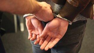Man aangehouden voor dreiging met vuurwapen