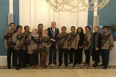 Parlementariërs uit Surabaya op bezoek in Wassenaar