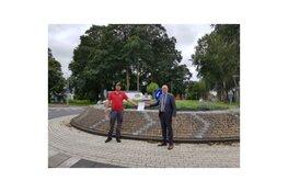 Sponsorovereenkomst rotonde Van Cranenburchlaan ondertekend